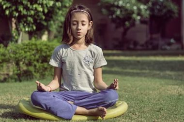 practicing mindfulness meditation