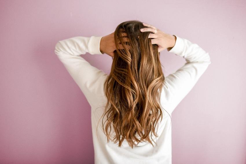 help thin hair look thicker