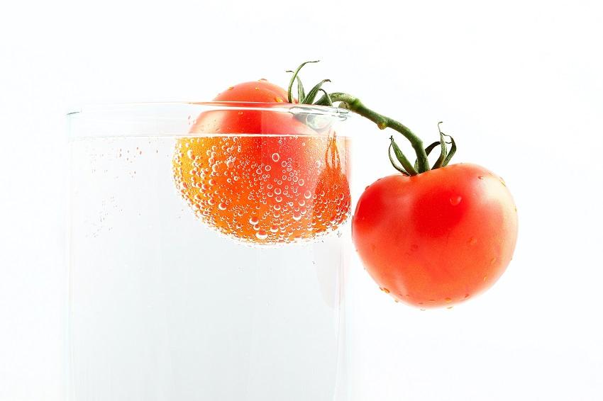 eating tomato prevent sunburn